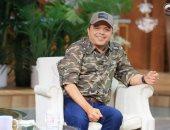 محمد هنيدي مداعبا منى الشاذلى: ضربت تربل إتش مرتين بأبو ظبى فى المطار والفندق