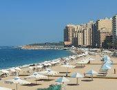البرد وصل بس الناس لسة فى البحر.. استمرار الإقبال على شواطئ اسكندرية.. فيديو