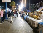 جولة بكورنيش مطروح.. أجواء خريفية هادئة وتراجع عدد المصطافين (فيديو وصور)