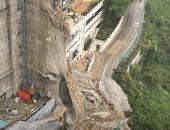 إعصار عنيف يضرب هونج كونج ويخلف دمارا وفيضانات فى الشوارع.. فيديو وصور