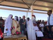وفود عربية تهدى السيوف والشال لمحافظ جنوب سيناء فى مهرجان الهجن.. فيديو وصور
