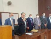 رئيس جامعة الإسكندرية يحضر تحية العلم وسط الطلاب فى أول العام الدراسى.. صور
