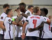 """""""يويفا"""" يعاقب إنجلترا بخوض مباراتين في ملعب مغلق وغرامة 100 ألف يورو"""