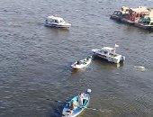 """بعد وفاة ابنته.. أب مكلوم يبحث عن جثمان ابنه فى مياه نهر النيل """"فيديو"""""""