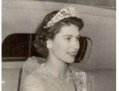 الملكة إليزابيث تختار بروش الوردة الماسية فى آخر ظهور لها.. اعرف القصة