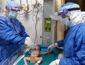 """نجاح أول عملية ولادة توأم لسيدة مصابة بكورونا داخل """"عزل أسوان"""".. صور"""