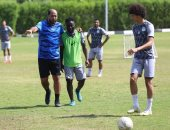 الشعباني يجتمع مع لاعبي المصري ويحثهم على مصالحة الجماهير أمام بطل أوغندا