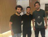 محمد صلاح يغادر القاهرة بصورة له رفقة عبد الله السعيد وحجازى