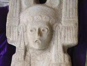 استبدال تمثال كولومبوس بمنحوت امرأة تعود للسكان الاصليين وسط مكسيكيو