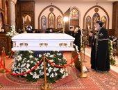الكنيسة الأرثوذكسية تعلن نقل جثمان الأنبا كاراس إلى نقادة لدفنه فى قنا