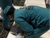 السعودية تبدأ تخفيف إجراءات كورونا بإزالة علامات التباعد بالمسجد الحرام..فيديو