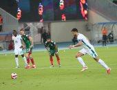 الأهلي يحقق أول فوز في الدوري السعودي برباعية ضد الاتفاق بمشاركة النقاز