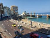 صباح الخير يا إسكندرية.. سيولة مرورية على الكورنيش وهدوء بالبحر.. لايف وصور