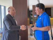 السفارة المصرية ترافق بعثة بيراميدز إلى ملعب عزام.. صور
