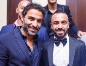 أحمد فهمي يهنئ أفشة بحفل زفافه بصورة تجمعهما: ألف مبروك لأخويا الصغير