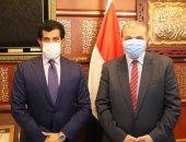 القوى العاملة تبحث مع سفير قطر احتياجات الدوحة من العمالة المصرية