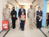 القوات المسلحة ترافق عددا من أبناء الشهداء بداية العام الدراسى الجديد