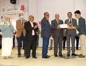 """رئيس جامعة أسوان يشهد حفل استقبال طلاب """"الطب"""" بالعام الجديد.. صور"""