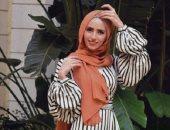 اعرفي إزاي تنسقي إطلالتك بالحجاب مع موضة خريف وشتاء 2021/2022
