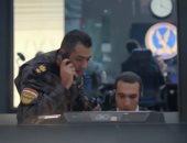 الرئيس السيسي يشاهد فيلما تسجيليا يبرز طريقة تعامل الداخلية مع عناصر إرهابية