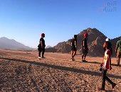 شاهد كيف يجذب صدى الصوت السائحين من كل العالم لجبال جنوب سيناء
