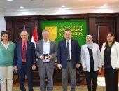 رئيس جامعة الإسكندرية يستقبل منسق العلاقات الدولية بجامعة بوردو الفرنسية
