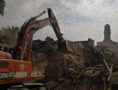 إزالة مبانٍ متهالكة أمام مسجد الحاكم بأمر الله ضمن تطوير القاهرة التاريخية