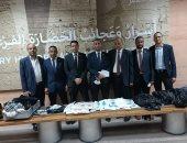 جمارك مطار الأقصر تضبط محاولات تهريب أدوية بشرية وملابس جاهزة.. صور