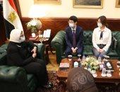 وزيرة الصحة: الرئيس السيسي يقدم كافة سبل الدعم لتوطين صناعة اللقاحات بمصر