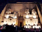 شاهد ظاهرة تعامد الشمس على وجه الملك رمسيس بمعبد أبو سمبل.. فيديو لايف