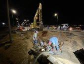 رئيس مدينة بور فؤاد يتابع أعمال إصلاح كسر ماسورة بخط مياه بطريق كوبرى النصر العائم