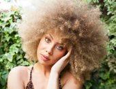 وصفات طبيعية لترطيب الشعر المجعد.. من الزيوت الساخنة لبذور الحلبة