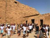 توافد سياحى على الكرنك للاستمتاع بسحر الحضارة الفرعونية.. صور