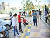 """طلاب تربية رياضية كفر الشيخ يشاركون بتجميل ودهان أرصفة كليتهم فى """"الأسبوع البيئى"""""""