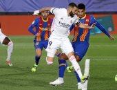 الكلاسيكو.. التشكيل الرسمي لمباراة برشلونة ضد ريال مدريد فى الدوري الإسباني