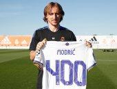 مودريتش يحتفل بالمباراة رقم 400 مع نادي ريال مدريد على طريقته الخاصة.. صورة
