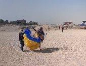 متسابقون من دول العالم يحلقون في سماء الأقصر ضمن سباق الباراموتور.. لايف