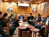 """""""مطران بورسعيد"""" يترأس صلاة جنازة كاهن كنيسة الأنبا بيشوى.. صور"""
