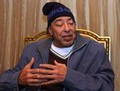 """شاهد كيف سخر أحمد السعدنى من وفاة والده """"العمدة"""" عبر """"فيس بوك"""""""