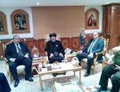 محافظ القليوبية ومدير الأمن يقدمان التعازى لأسقف كنائس شبر الخيمة