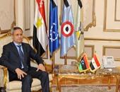 وزير الدفاع يلتقى نظيره الليبى المكلف لبحث العلاقات الثنائية