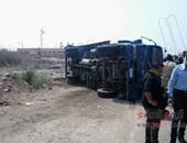 """إصابة ضابط ورقيب فى انقلاب سيارة شرطة بـ""""الصحراوى الغربى"""" فى سوهاج"""