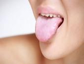 4 مكونات طبيعية لعلاج مشكلة اللسان الأبيض