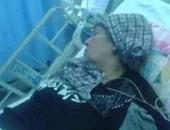 تداول صورة لوالدة معاذ الكساسبة بالمستشفى وأنباء عن وفاتها