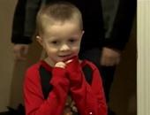 بالفيديو..أمريكيان يحولان غرفة ابنهما المصاب بالسرطان لعالم للأبطال الخارقين