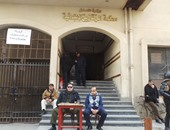 239 وافدا بمصانع العاشر يسجلون بياناتهم الانتخابية بمحكمة الزقازيق الابتدائية