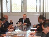 محافظ دمياط يلتقى برؤساء القرى ومسئولى الإدارات الهندسية