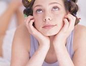 بيقع كتير وبقى خفيف.. 4 أسباب لسقوط الشعر لازم تعرفيها