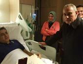 مساعد وزير الداخلية يعود من لندن بعد الاطمئنان على ضباط يتلقون العلاج