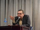 """شاهد.. أحمد خالد توفيق يتحدث عن الشهرة والموت.. ويرفض لقب """"العراب"""""""